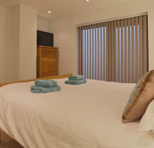 main bedroom fistral blue apartment newquay